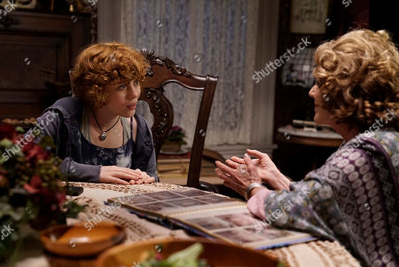 Sophia Lillis as Nancy Drew and Linda Lavin as Flora