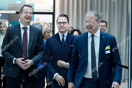 Martin Lundstedt, president and CEO of the Volvo Group, Anders Ygeman, Minister for Energy and Digital Development, and Prince Daniel