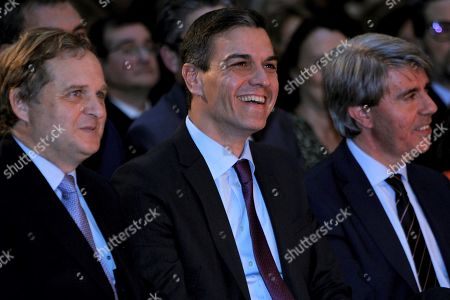 Spanish Primer Minister Pedro Sanchez (2-R), and Madrid's Regional president Angel Garrido (R) attend the opening of Women Now Summit in Madrid, Spain, 28 March 2019.