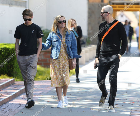Reese Witherspoon, Jim Toth and Deacon Phillippe