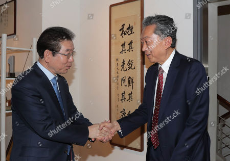 Seoul Mayor Park Won-soon (L) meets with former Japanese Prime Minister Yukio Hatoyama (R) prior to a forum in Seoul, South Korea, 28 March 2019. The forum centered around how to foster the next 100 years of Seoul-Tokyo relations and was held to mark the centennial of Korean people's 1919 popular movement that protested for independence from Japan's colonial rule of the Korean Peninsula.