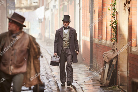 Sam Swainsbury as Dr John Snow.