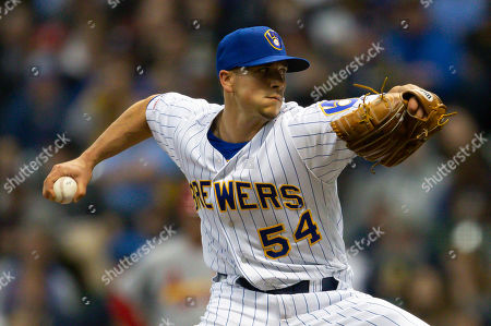 Milwaukee Brewers relief pitcher Taylor Williams #54 delivers a pitch in relief during the Major League Baseball game between the Milwaukee Brewers and the St. Louis Cardinals at Miller Park in Milwaukee, WI