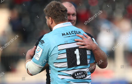 Saracens vs Glasgow Warriors. Saracens' Schalk Burger shakes hands with Oli Kebble of the Warriors after the game