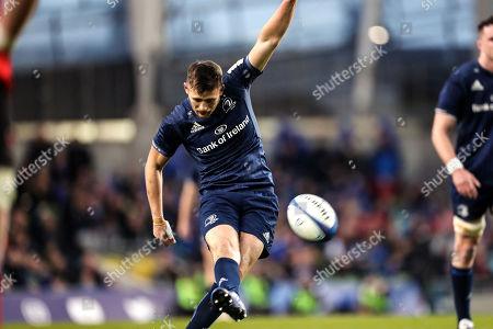 Leinster vs Ulster. Leinster's Ross Byrne kicks a penalty