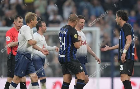 Mikael Silvestre of Inter Forever shakes hands with Robbie Keane of Spurs Legends as he leaves the game