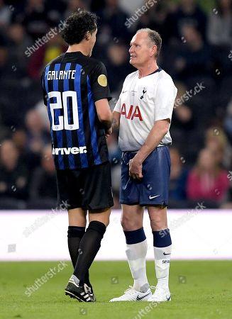 Paul Gascoigne of Spurs Legends and Fabio Galante of Inter Forever
