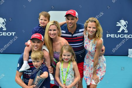 """Bob Bryan of USA pose for picture with his families Micaela Bryan, Michelle Bryan, Richard """"Richie"""" Charles Bryan and Bobby Bryan Jr,, Mike Bryan, Nadia Murgasova after defeating Wesley Koolhof of Netherlands and Stefanos Tsitsipas of Greece at the doubles final"""
