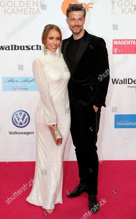 Annemarie Carpendale and Wayne Carpendale arrive for the 54th annual 'Goldene Kamera' (Golden Camera) film and television awards ceremony in Berlin, Germany, 30 March 2019.