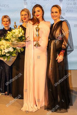 Miranda Kerr, Anna Meyer Minnemann, Gruner
