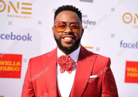 Raheem DeVaughn arrives at the 50th annual NAACP Image Awards, at the Dolby Theatre in Los Angeles
