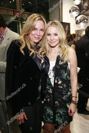 Kari Whitman and Kristen Bell