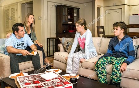 Jason Jones as Nate Parker, Natalie Zea as Robin Parker, Ashley Gerasimovich as Delilah Parker and Liam Carroll as Jared Parker