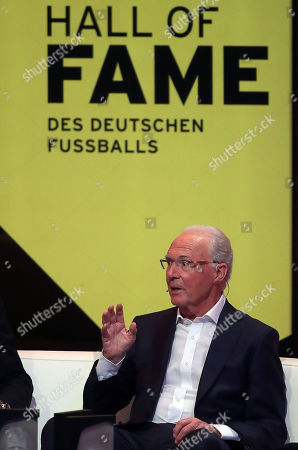 German former soccer player Franz Beckenbauer is admitted to the 'Hall Of Fame' as one of the best defensive players during the opening gala of the 'Hall Of Fame' of German football in Dortmund, Germany, 01 April 2019.. The Hall Of Fame will be part of the permanent exhibition in the German Football Museum, where players and coaches of men's and women's soccer of German origin will be honored for their outstanding achievements in shaping German soccer from 1900 until today.