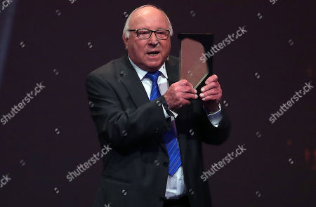 German former soccer player Uwe Seeler is admitted to the 'Hall Of Fame' as one of the best striker during the opening gala of the 'Hall Of Fame' of German football in Dortmund, Germany, 01 April 2019. The Hall Of Fame will be part of the permanent exhibition in the German Football Museum, where players and coaches of men's and women's soccer of German origin will be honored for their outstanding achievements in shaping German soccer from 1900 until today.