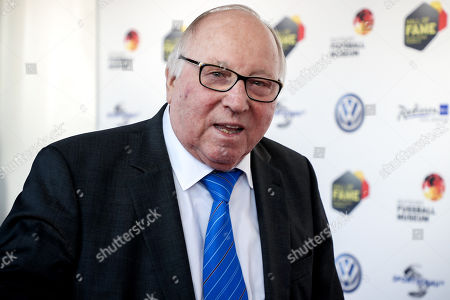 German former soccer player Uwe Seeler arrives for the opening gala of the 'Hall Of Fame' of German football in Dortmund, Germany, 01 April 2019. The Hall Of Fame will be part of the permanent exhibition in the German Football Museum, where players and coaches of men's and women's soccer of German origin will be honored for their outstanding achievements in shaping German soccer from 1900 until today.