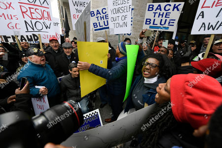 "Dueling protestors clash over Cook County State's Attorney Kim Foxx's office's decision to drop all charges against ""Empire"" actor Jussie Smollett, in Chicago"