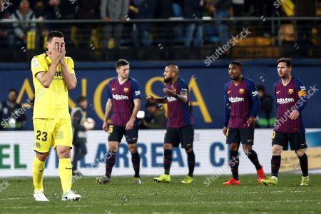Villarreal's Italian defender Daniele Bonera (L) reacts at the end of a Spanish LaLiga soccer match between Villarreal CF and FC Barcelona played at the Ceramica Stadium in Villarreal, eastern Spain, 02 April 2019.