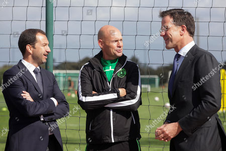 Dutch's Prime Minister Mark Rutte (R) speaks with Sporting's President Frederico Varandas (2-R) and head coach Marcel Keizer (C) during his visit to Sporting's soccer Academy in Alcochete, Portugal, 03 April 2019.