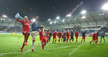 02.04.2019, Football DFB Pokal 2018/2019,   SC Paderborn 07 - Hamburger SV, in Benteler-Arena Paderborn. celebration  Hamburger SV, Lewis Holtby