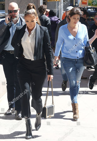 Jennifer Lopez, Lynda Lopez