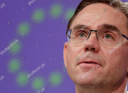 European Commissioner in charge of Jobs, Growth, Investment and Competitiveness Jyrki Katainen gives a press conference on Brexit preparedness in the field of Health and Food Safety Q&A at the European Commission in Brussels, Belgium, 04 April 2019.