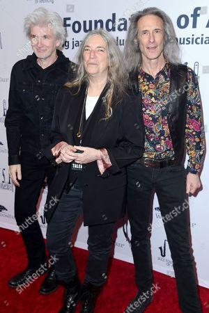 Tony Shanahan, Patti Smith and Lenny Kaye