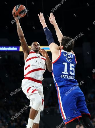 Stock Photo of Milan's James Nunnally (L) in action against Anadolu's Sertac Sanli (R) during the Euroleague basketball match between Anadolu Efes Istanbul and Armani Olimpia Milan in Istanbul, Turkey, 04 April 2019.