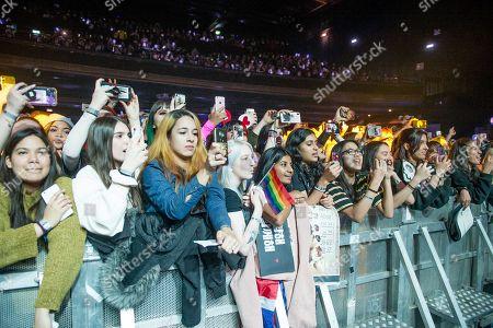 The crowd watching Ateez - Kim Hong-joong, Park Seong-hwa, Jeong Yun-ho, Kang Yeo-sang, Choi San, Song Min-gi, Jung Woo-young, Choi Jong-ho
