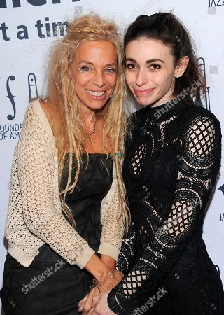 Wendy Oxenhorn and daughter