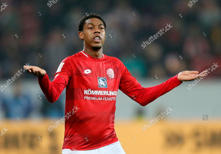 Mainz's Jean-Paul Boetius celebrates after scoring the opening goal during the German Bundesliga soccer match between 1. FSV Mainz 05 and SC Freiburg in Mainz, Germany, 05 April 2019.