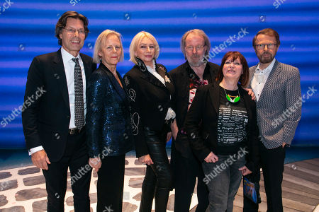 Richard East (Producer), Phyllida Lloyd (Director), Judy Craymer (Producer), Benny Andersson (Music), Catherine Johnson (Author) and Bjorn Ulvaeus (Music /Producer) backstage