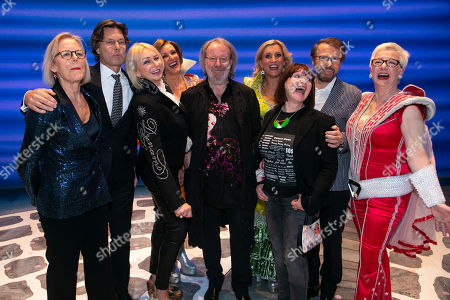 Phyllida Lloyd (Director), Richard East (Producer), Judy Craymer (Producer), Kate Graham (Tanya), Benny Andersson (Music), Sara Poyzer (Donna Sheridan), Catherine Johnson (Author), Bjorn Ulvaeus (Music /Producer) and Ricky Butt (Rosie) backstage
