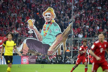 Germany, Muenchen, 06.04.2019, Football, Bundesliga,  2018/2019, FC Bayern Muenchen - Borussia Dortmund: FC Bayern Muenchen Fans Choreograhie Stefan Effenberg, DFL REGULATIONS PROHIBIT ANY USE OF PHOTOGRAPHS AS IMAGE SEQUENCES AND/OR QUASI-VIDEO.