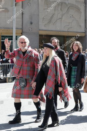 Billy Connolly and Wife Pamela Stephenson, daughters Scarlett and Amy