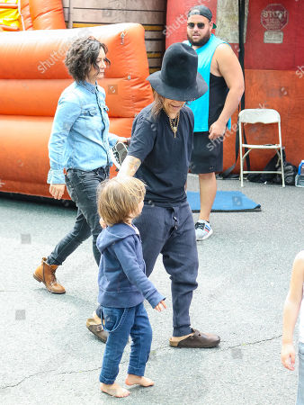 Stock Photo of Linda Perry, Sara Gilbert with son Rhodes