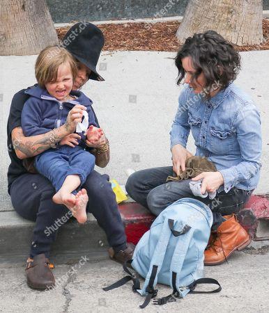 Linda Perry, Sara Gilbert with son Rhodes