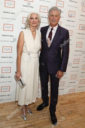 Eileen Guggenheim, Chair of board of the New York Academy of Art and David Kratz, President of the New York Academy of Art