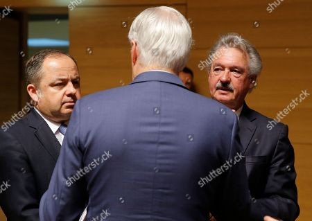 (L-R) Polish European affairs minister Konrad Szymanski, Chief EU Brexit negotiator Michel Barnier and Luxembourg Foreign Minister Jean Asselborn talk at the start of the General Affairs Council on Article 50 in Luxembourg, 09 April 2019. Ministers will focus on the preparation for the European Council on Article 50 meeting held on 10 April.