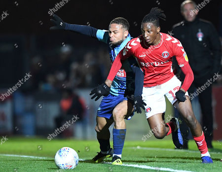 Joe Aribo of Charlton Athletic under pressure from Curtis Thompson of Wycombe Wanderers