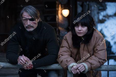 Mads Mikkelsen as Duncan Vizla and Vanessa Hudgens as Camille