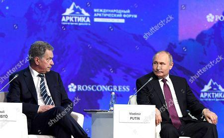 President of Finland Sauli Niinisto (left) and President of Russia Vladimir Putin