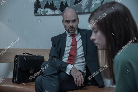 David Dencik as Peder Sanderand Hanna Ardehn as Maja Norberg