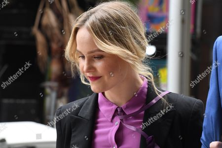 Australian actress Eryn-Jean Norvill arrives with family to the Supreme Court in Sydney, Australia, 11 April 2019. Australian actor Geoffrey Rush won the defamation case against Australian publisher Nationwide News Limited that accused him of sexual misconduct against Australian actress Eryn-Jean Norvill.
