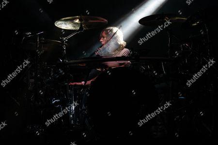 Godsmack - Shannon Larkin
