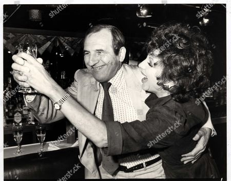 Television Adverts Cinzano 1983 Cinzano Launch Their New Tv Advertising Campaign Which Will Be Their Final One In The Long Running Series: Joan Collins And Leonard Rossiter Attend Photocall. . Rexmailpix.