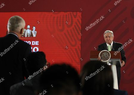 Mexican President Andres Manuel Lopez Obrador (R) argues with journalist Jorge Ramos (L) about homicide rates in the country, during a press conference at the National Palace, in Mexico City, Mexico, 12 April 2019. Ramos asked the President for strategies to reduce the homicide rates, which has seen a 13,5 per cent increase, during the first months of the year.
