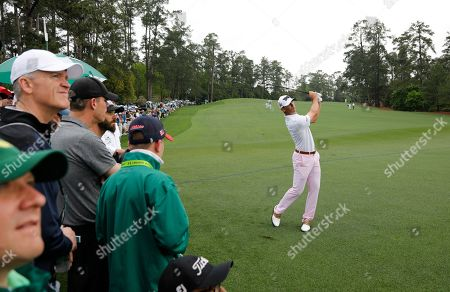 Billy Horschel of the US chips on the second hole during the first round of the 2019 Masters Tournament at the Augusta National Golf Club in Augusta, Georgia, USA, 12 April 2019. The 2019 Masters Tournament is held 11 April through 14 April 2019.
