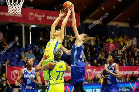 Breanna Stewart (C-R) of Kursk in action against Quanitra Hollingsworth (C-L) of Praha during the women's basketball EuroLeague Final Four semi final match between Dynamo Kursk and USK Praha in Sopron, Hungary, 12 April 2019.