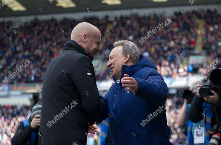 Cardiff City manager Neil Warnock and Burnley manager Sean Dyche (L) shake hands- Mandatory by-line: Jack Phillips/JMP